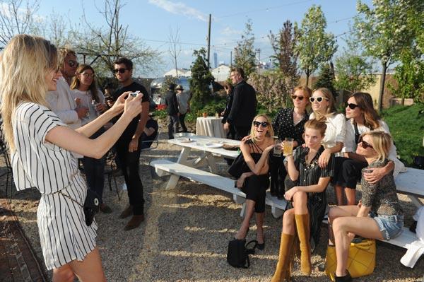 Sienna Miller, Alexa Chung, Theodora Richards... la improvisada fiesta de cumpleaños de Poppy Delevingne