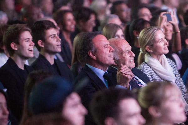 Julio Iglesias, nombrado Doctor Honoris Causa por la Universidad de Berklee ante la orgullosa mirada de su familia