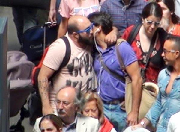 Primicia en HOLA.com: El abrazo de la reconciliación de Francisco y Kiko Rivera