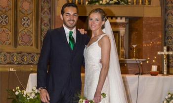 Andrea Prat se casa recordando a su padre y llevando 'el vestido de sus sueños'