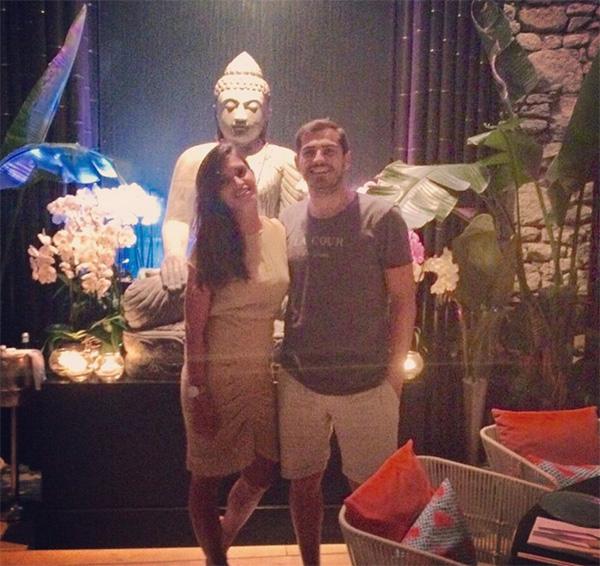 Iker Casillas y Sara Carbonero se escapan a las islas griegas con su 'pequeño marinero'