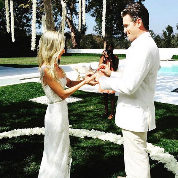 En su mansión de Los Ángeles y rodeada de flores, así se ha casado la hermana pequeña de Marie Chantal de Grecia