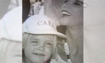 ¿Quién es la orgullosa madrina que posa con la modelo Cara Delevingne?