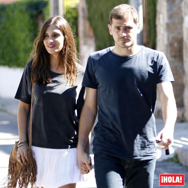 En exclusiva en ¡HOLA!: Sara Carbonero e Iker Casillas, primeras imágenes de su nueva vida en Oporto