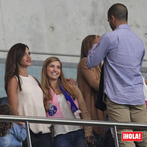 ¡Todos quieren una foto con ella! Sara Carbonero conquista Oporto