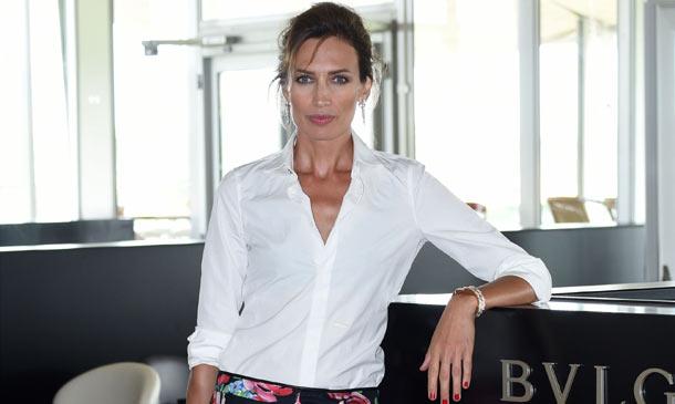 Nieves Álvarez despide el verano con un día de polo y 'glamour'