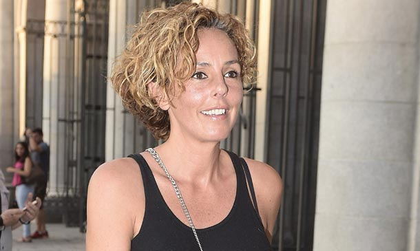 Rocío Carrasco saborea su éxito profesional, ajena a las tensiones familiares
