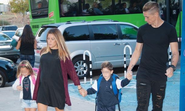Fernando Torres y Olalla Domínguez, nuevo curso como familia numerosa