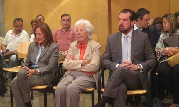 Visto para sentencia el juicio contra el padre, la tía y la abuela de la reina Letizia