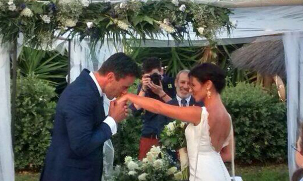 Alonso Caparrós ya es 'un hombre felizmente casado'