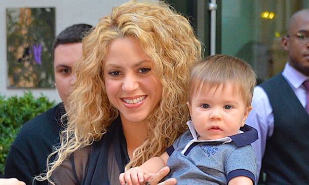 Sasha Piqué acompaña a su madre en un viaje muy especial