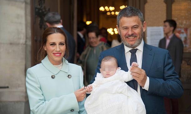 Miki Nadal y Carola Escámez bautizan a su hija Carmela