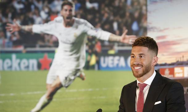 Un doble de Sergio Ramos obliga al futbolista a desmentir su fichaje por...