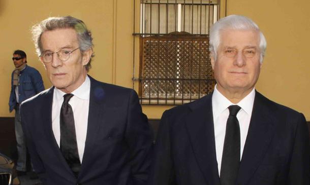 Destacadas ausencias en el funeral de doña Cayetana al que han asistido juntos el duque de Alba y Alfonso Diez