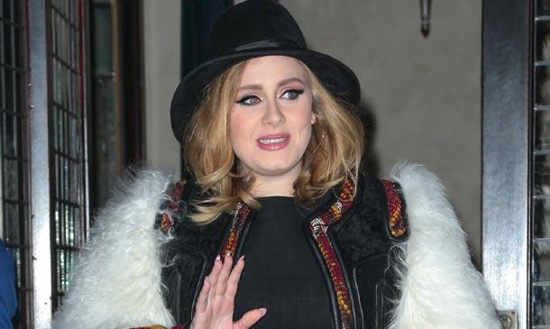 Adele desafía a la industria discográfica y ¡gana!