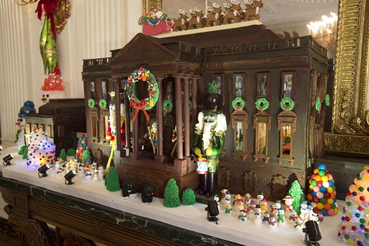 C mo se decora por navidad la casa m s poderosa del mundo - La casa de la navidad ...