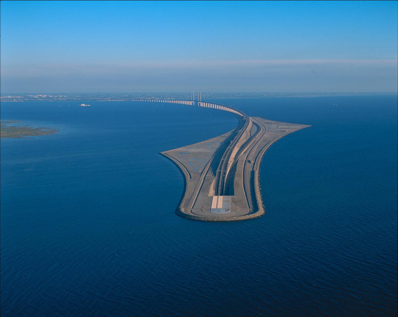 El puente que se convierte en túnel submarino