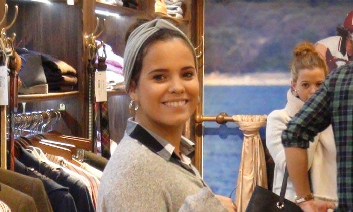 Gloria Ortega se pone manos a la obra en su nueva tienda de moda