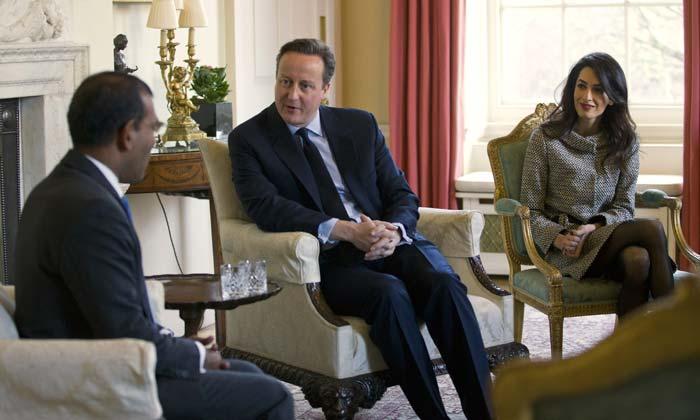 ¿Qué hace Amal Clooney reunida con David Cameron en Downing Street?