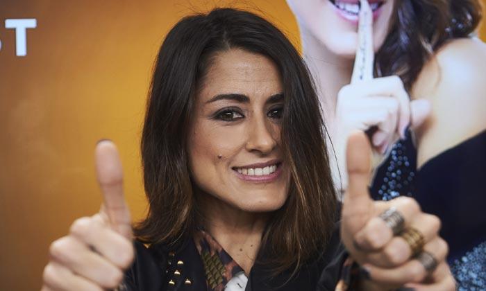 Duras críticas a la elección del inglés para Eurovisión, ¿cederá Barei a la presión?