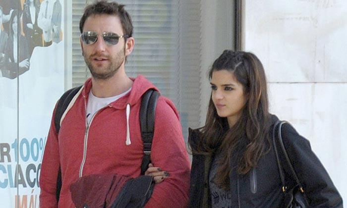 Clara Lago y Dani Rovira, separados por exigencias del guion