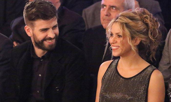 Shakira lanza piropos a Piqué mientras este se reúne con una superestrella