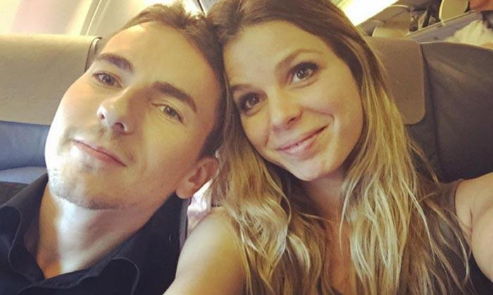 La nueva aventura de la novia de Jorge Lorenzo, lejos del piloto