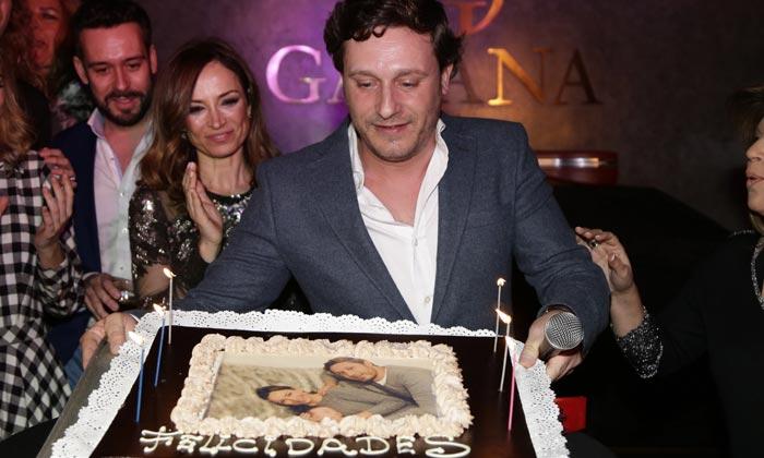 Marta González, Terelu Campos, Sonia Ferrer... brindan con Juan Peña por su cumpleaños