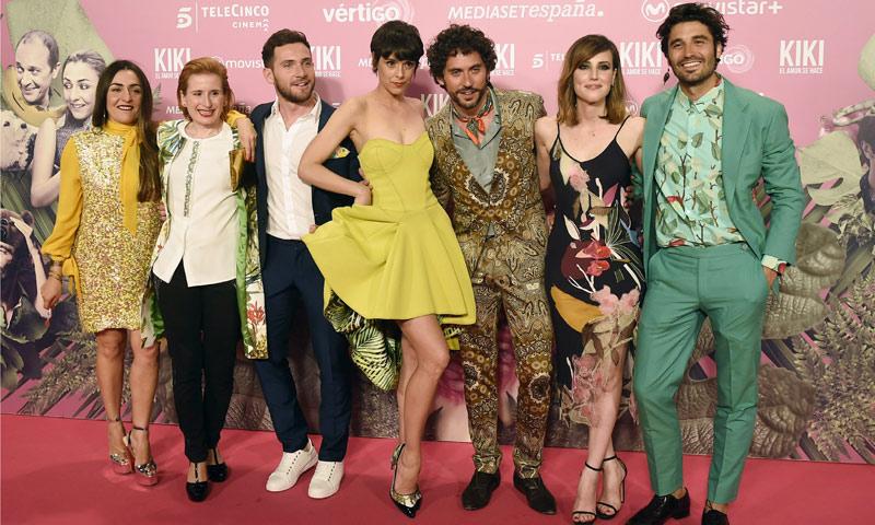 'Looks' imposibles, dos actrices con un mismo vestido... la extravagante fiesta de Paco León