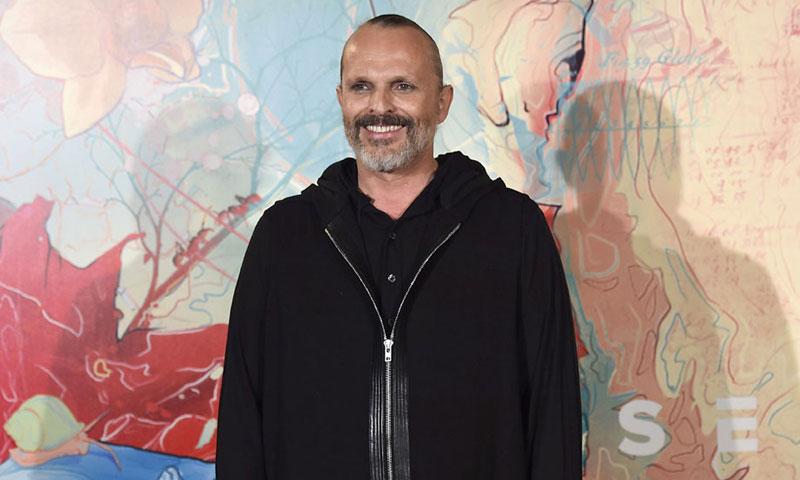 Miguel Bosé cumple 60 años como feliz y orgulloso 'papito' de sus cuatro hijos