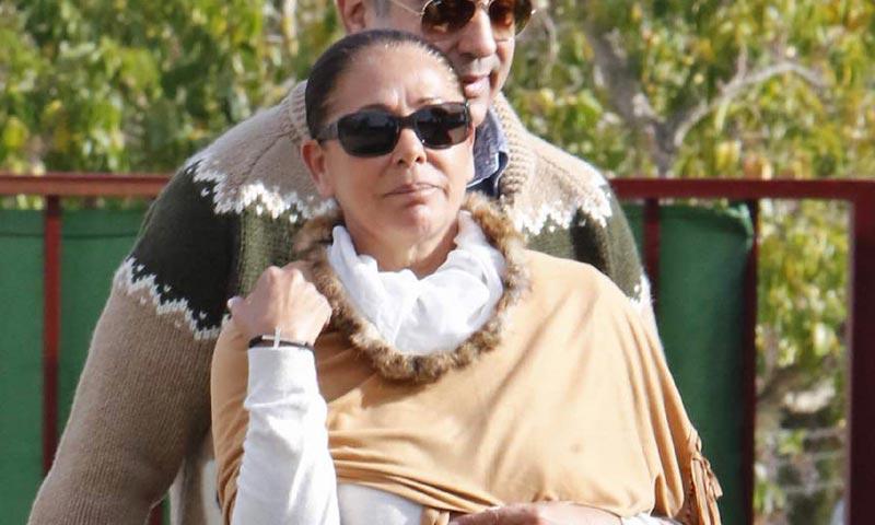 Isabel Pantoja permanece dos días ingresada en un hospital sevillano