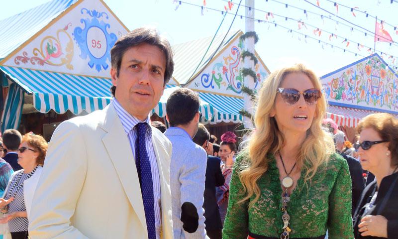 La hermana de Marie Chantal de Grecia pasea su amor por la Feria de Abril
