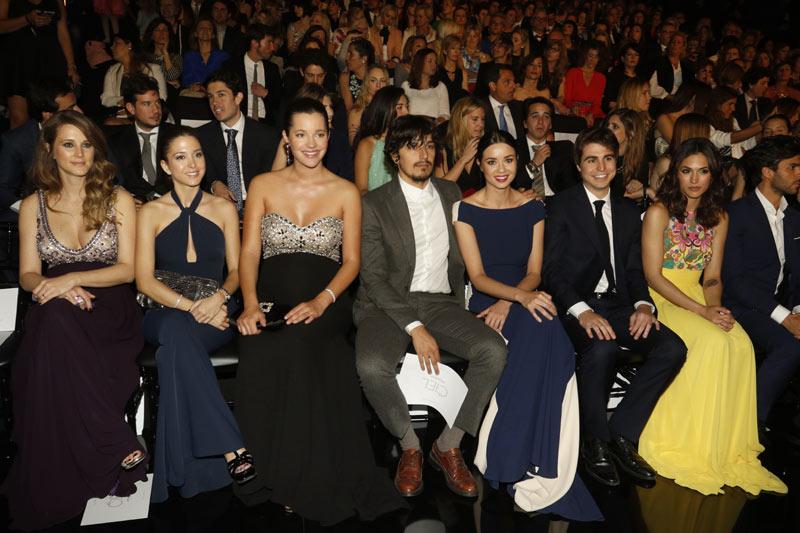 Foto a foto: 'Front row' de lujo en el desfile de Pronovias con duelo de embarazadas incluido