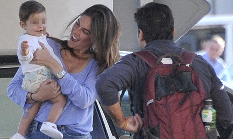 ¡Bienvenido papá! El cariñoso recibimiento de Lourdes Montes y su pequeña Carmen a Francisco Rivera