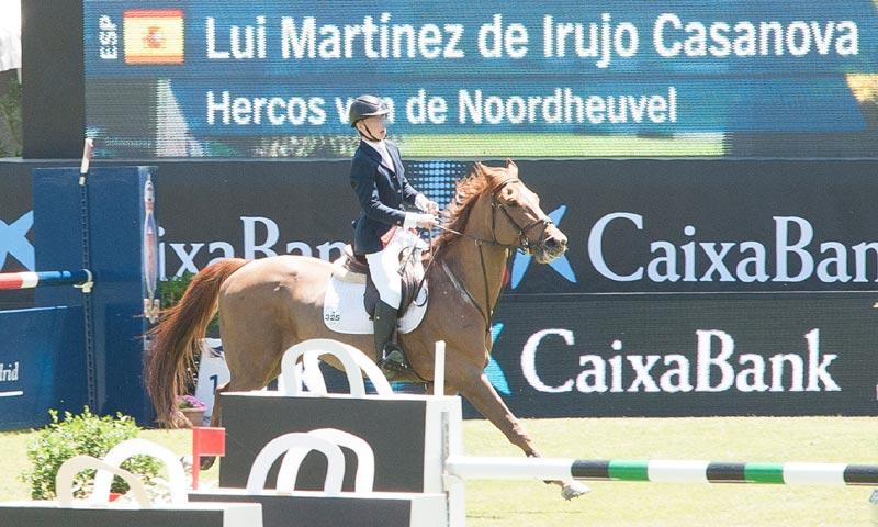 Cayetano Martínez de Irujo comparte con su hijo Luis los trucos para triunfar en la hípica