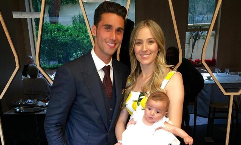 Álvaro Arbeloa y Carlota Ruiz bautizan a su 'pequeña princesa'