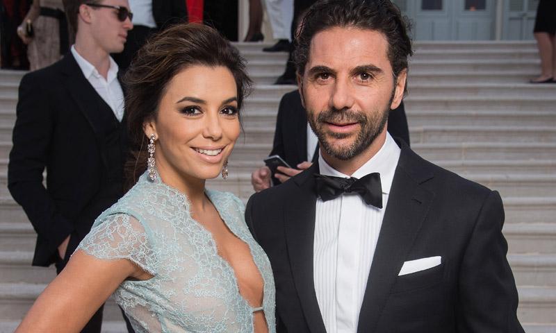 Tequila con su nombre, abanicos, su baile con Ricky Martin: los detalles que marcaron la diferencia en la boda de Eva Longoria en ¡HOLA!