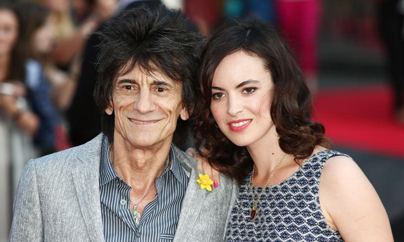 Ronnie Wood, miembro de los Rolling Stones, ha sido padre de gemelas a sus 68 años