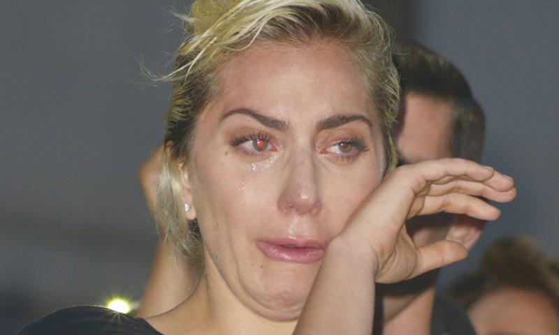Lady Gaga llora desconsolada por las víctimas de Orlando