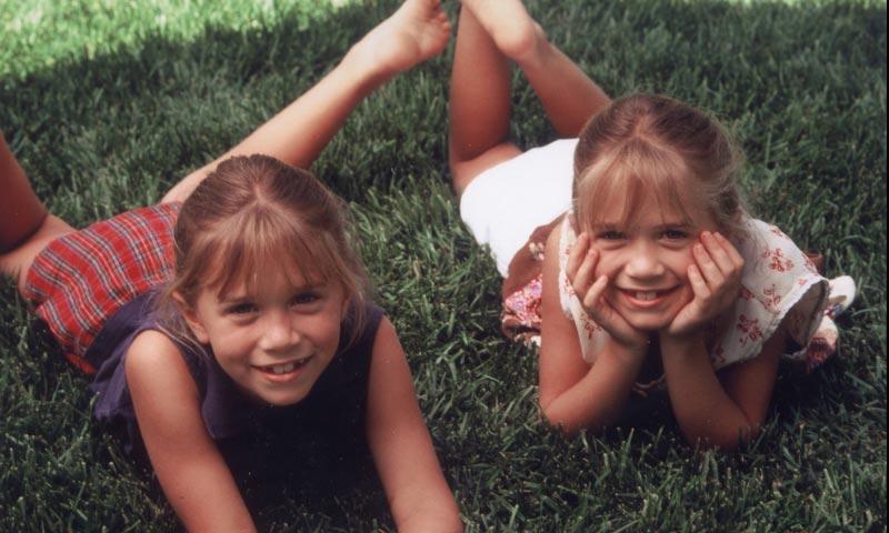Foto a foto: Mary-Kate y Ashley Olsen cumplen 30 años ¡Así han crecido las gemelas más famosas de la tele!
