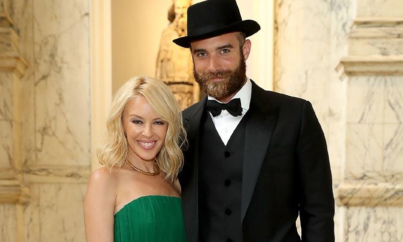 ¡Kylie Minogue se casa! ¿Quieres conocer todos los detalles de su inminente enlace?