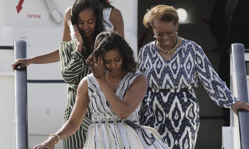 ¿Dónde se encontraba la Reina mientras Michelle Obama llegaba a Madrid?