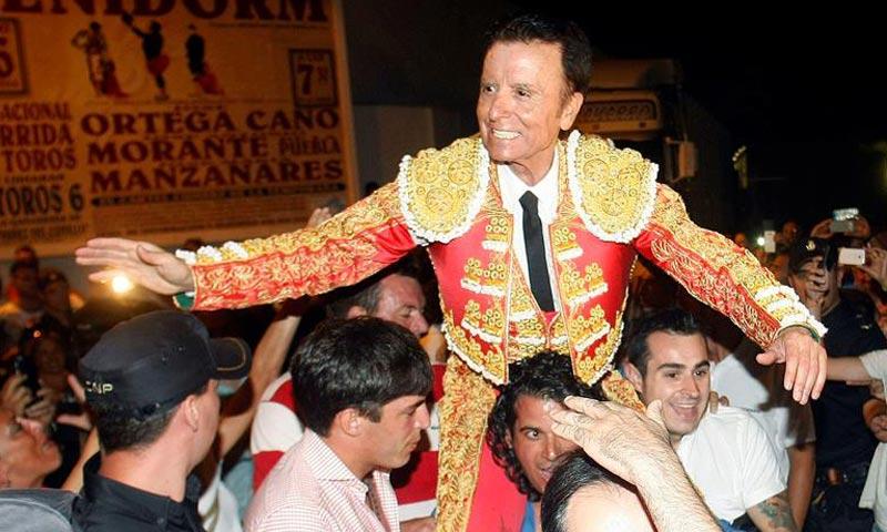 José Ortega Cano vuelve a vestirse de luces arropado por su familia