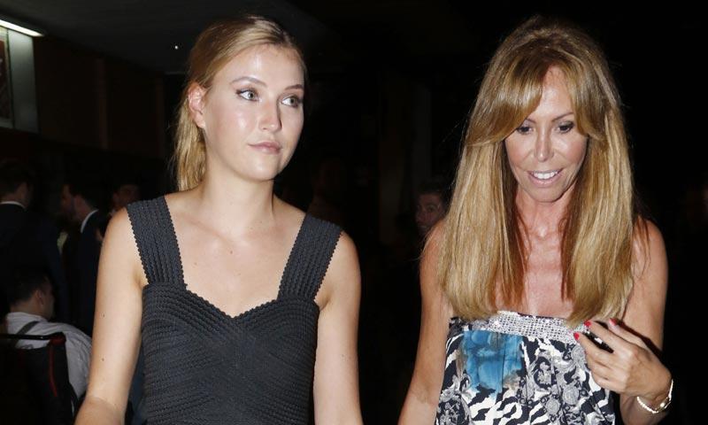 La hija de Álvaro Muñoz Escassi, Anna Barrachina, se va a vivir con Lara Dibildos