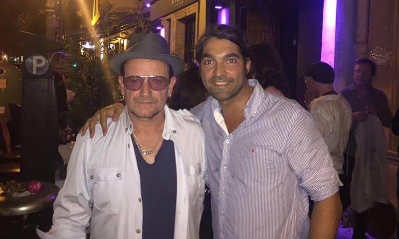 Los músicos de U2 aparecen por sorpresa en la fiesta preboda de un amigo en Valencia