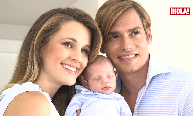 En vídeo: Carlos Baute comiéndose a besos a Markuss, Astrid cantándole... Las imágenes más tiernas con su hijo