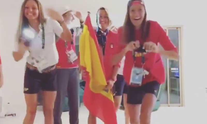 Mireia Belmonte, 'abanderada' del original desfile casero de las chicas de natación en Río