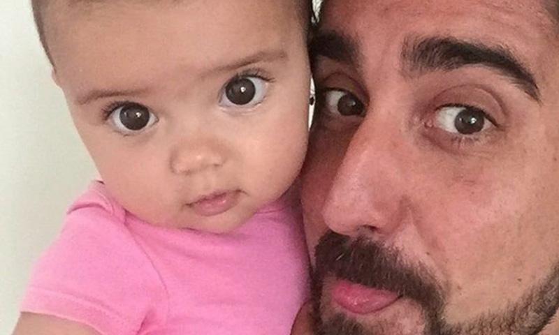 El 'selfie' de Álex Ubago con la niña de sus ojos