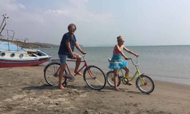 'La bicicleta', de Shakira y Carlos Vives, elegida como la canción de este verano por los lectores de HOLA.com