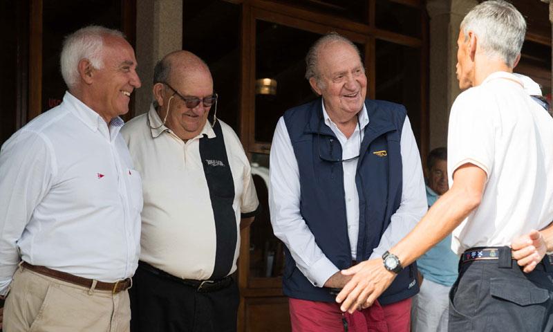 El rey Juan Carlos navega en el Trofeo Príncipe de Asturias
